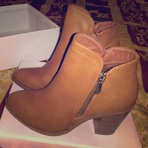 Size 6 Khaki Ankle-Boots